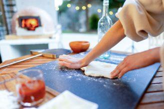本格ピザ窯で作るピザ作り体験